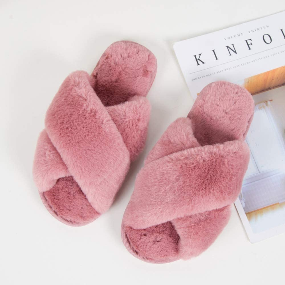 Comfortable slipers: Fluffy Faux Fur Warm Shoes
