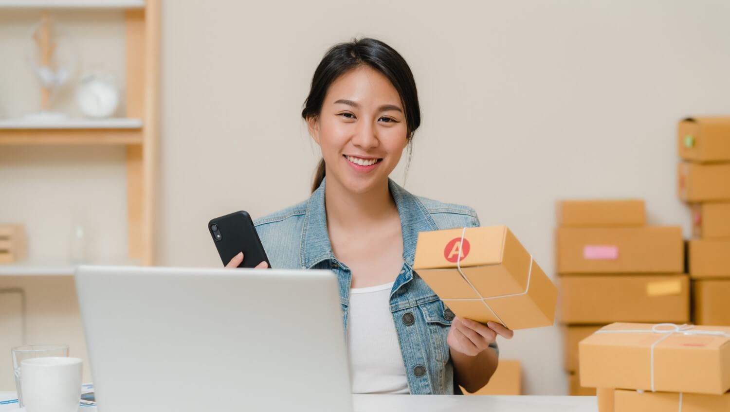 AliExpress UAE: Your go-to store for essential & affordable products<div><span style='color:#a0a0a0;font-size:16px;text-transform:none;line-height:1.1'>Find with us the best deals and offers for AliExpress UAE. Check out our top picks.</span></div>