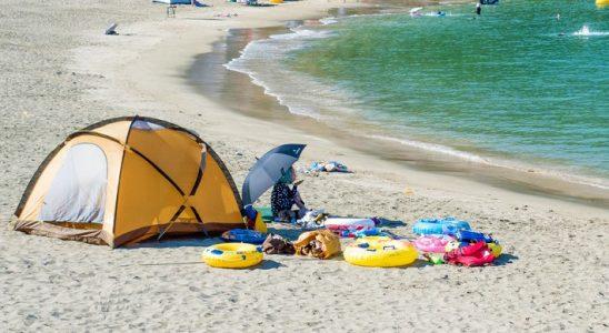 Beach Essentials - beach tent