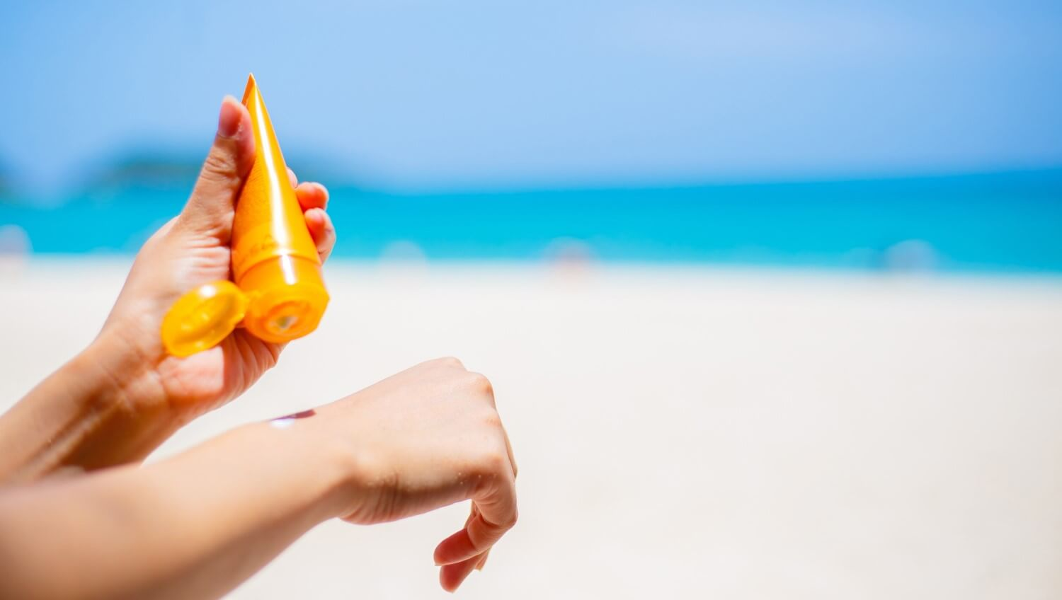 Best sunscreens for UAE weather: For Men, Women, and Kids<div><span style='color:#a0a0a0;font-size:16px;text-transform:none;line-height:1.1'>Avoid those harmful UV rays and give love to your skin</span></div>