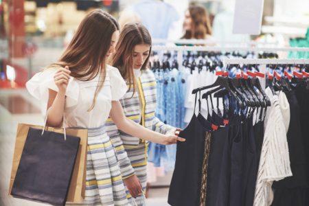 Dubai Shopping Festival - girls shopping