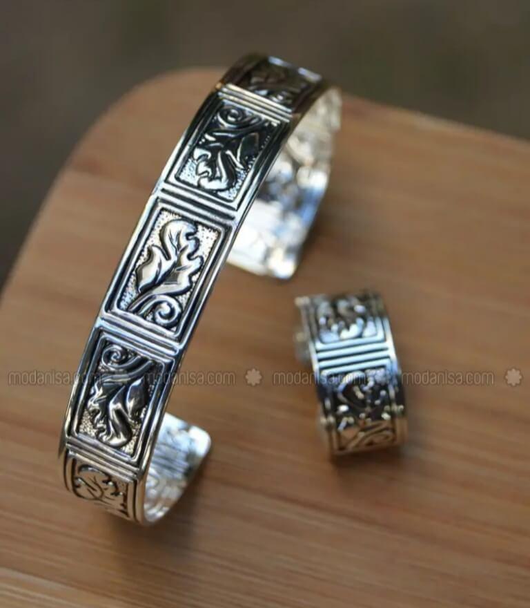 Silver finish- accessories