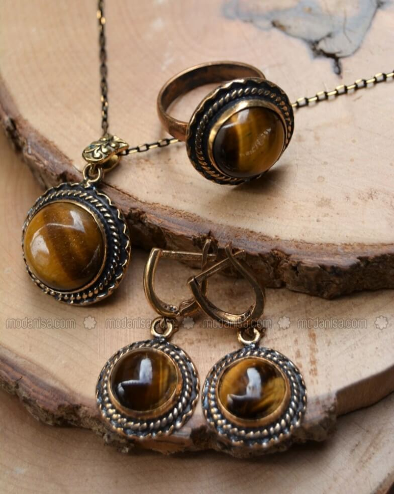 Brown accesories - stoneage