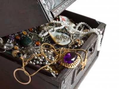 unusual jewelery as the best present for libra