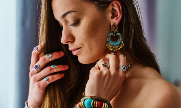 10 must-have ethnic accessories to try this Diwali