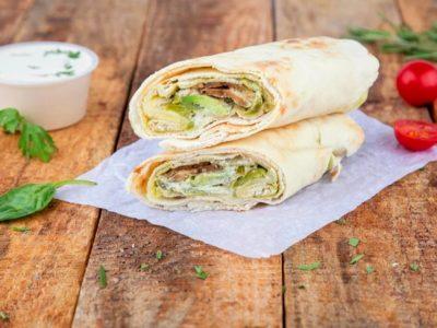 Hummus avocado wrap - an example of suhoor meal