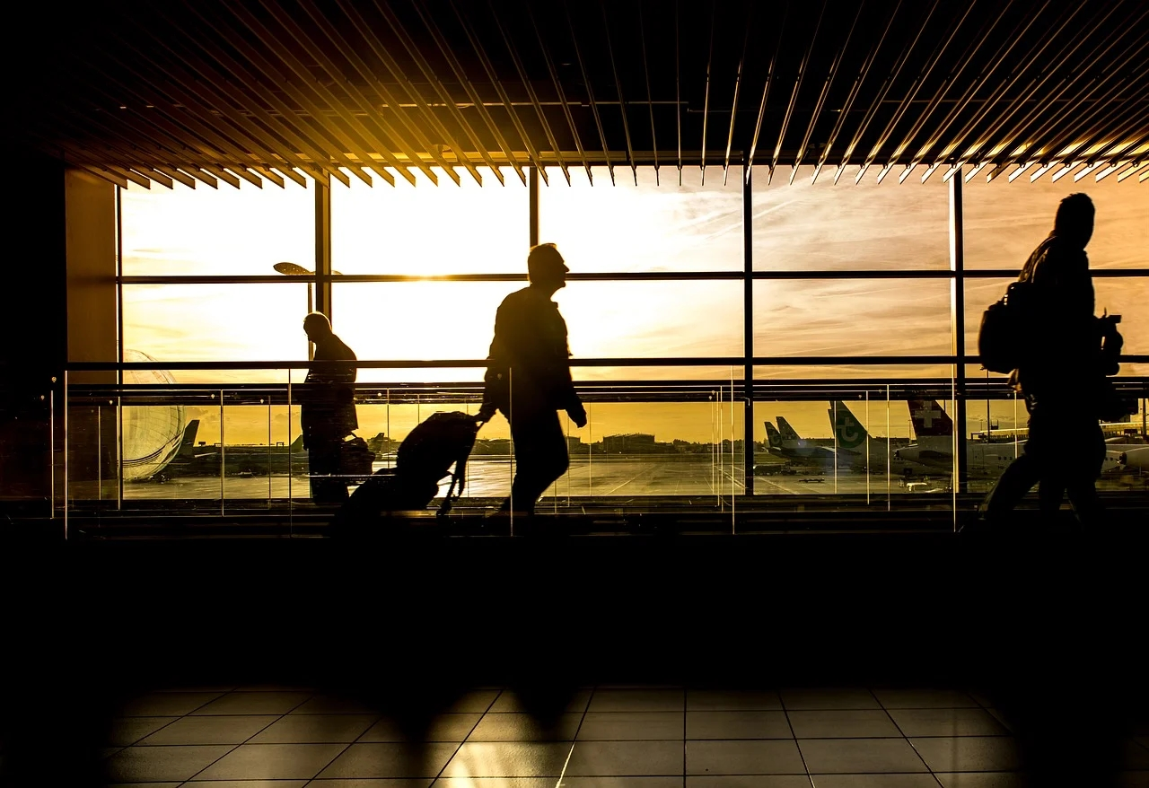 Going to catch a flight? Here are the travel essentials you'll need in times of COVID-19