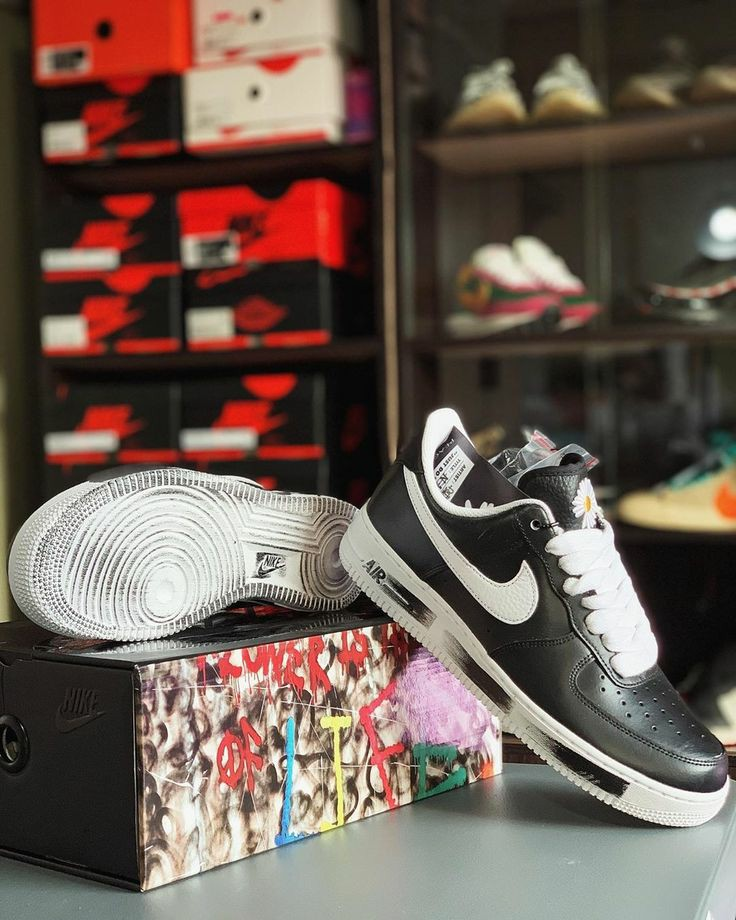 K Nike logo and collection.