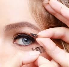 Magnetic lashes comes with two layers, each dotted with tiny magnets