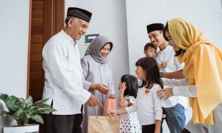 Best Eid-ul-Fitr Offers in UAE This Year<div><span style='color:#a0a0a0;font-size:16px;text-transform:none;line-height:1.1'>From Electronics, to Groceries and Gifts, here are the offers you can't miss this festive season</span></div>