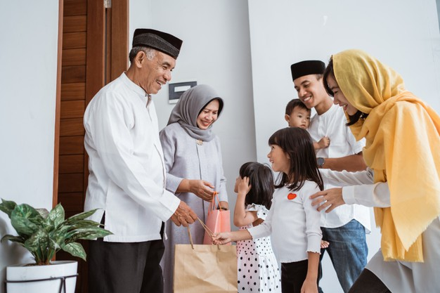 Best Eid-ul-Fitr Offers in UAE 2021<div><span style='color:#a0a0a0;font-size:16px;text-transform:none;line-height:1.1'>From Electronics, to Groceries and Gifts, here are the offers you can't miss this festive season</span></div>