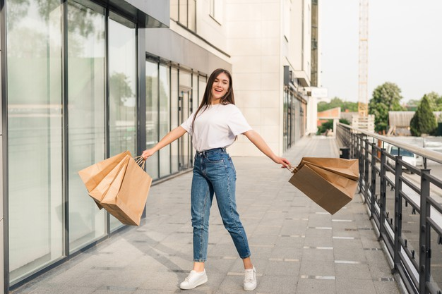 Must-haves from 6th Street Dubai Summer Sale<div><span style='color:#a0a0a0;font-size:16px;text-transform:none;line-height:1.1'>We love the cool, chic, and comfortable vibes at 6th Street Dubai </span></div>