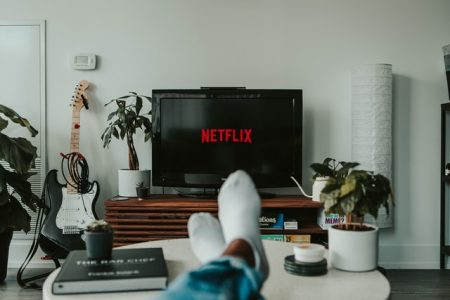 New years eve party ideas at home - Netflix