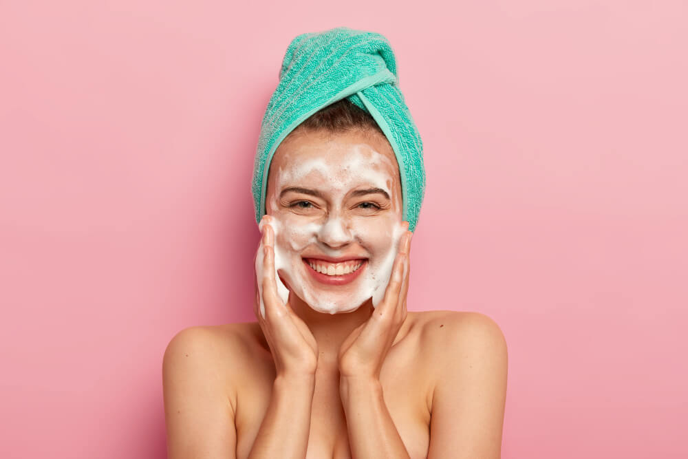 7 best face wash for all skin types, according to verified users<div><span style='color:#a0a0a0;font-size:16px;text-transform:none;line-height:1.1'>Top recommendations on best face wash that complements every skin type.</span></div>