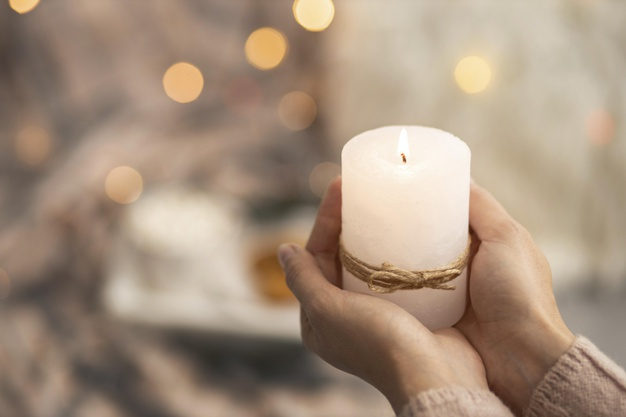 Here's why Bath & Body Works candles have loyal fans<div><span style='color:#a0a0a0;font-size:16px;text-transform:none;line-height:1.1'>Better burn-time,  blissful vibe, and endless variety. </span></div>