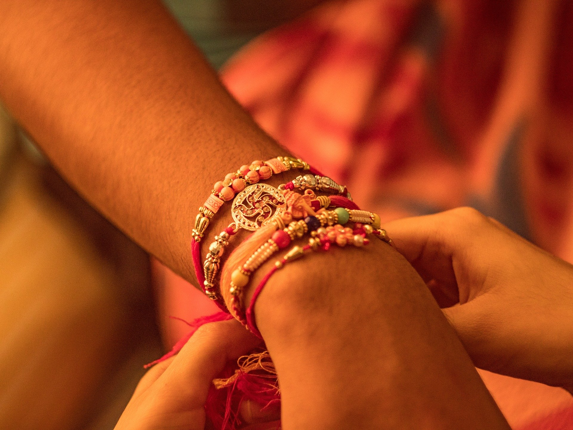 What Rakhi gifts can you give your sister without being too late