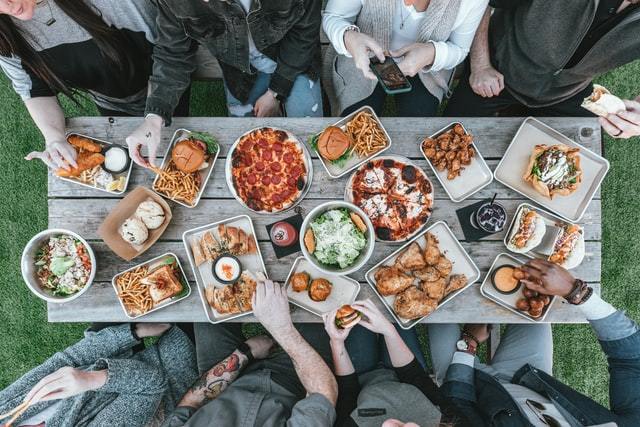 FRIENDShip day gifts share food