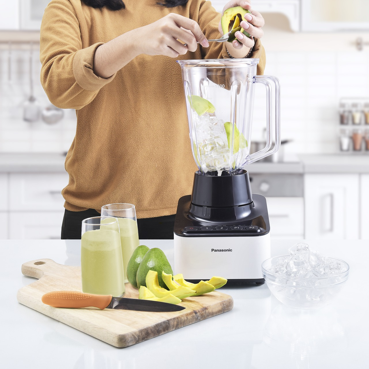 Level up your cooking skills in 2021 with these 10 smart kitchen appliances in UAE<div><span style='color:#a0a0a0;font-size:16px;text-transform:none;line-height:1.1'>Whether you're a home-cook or a professional chef, you need these items in your kitchen.</span></div>